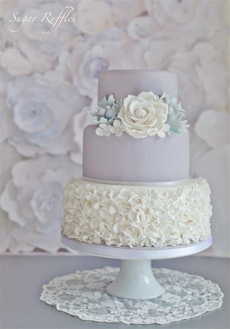 Hochzeitstorte Grau by Hochzeitstorten Dove Grau Hochzeitstorte 2031280 Weddbook
