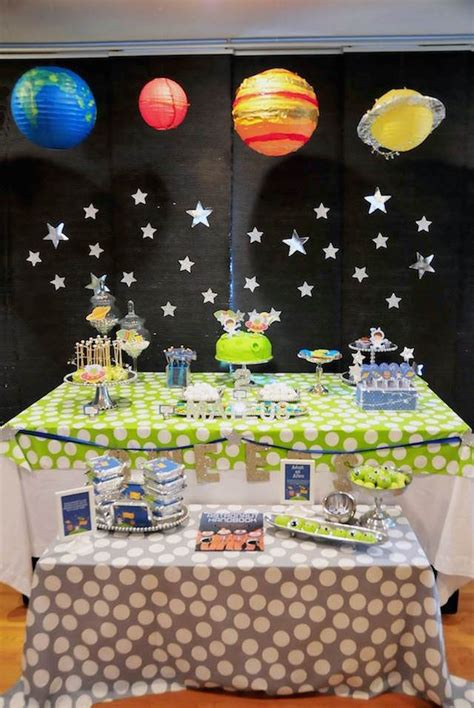 space themed decorations arreglos para baby shower de tema viaje al cosmos