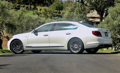 How Much Is A Kia K900 by Drive 2019 Kia K900 Review Ny Daily News