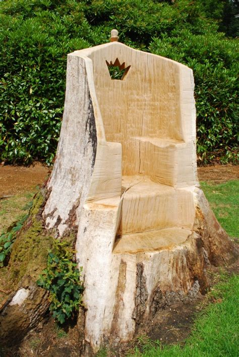 tree stump ideas oak throne carved using a chainsaw