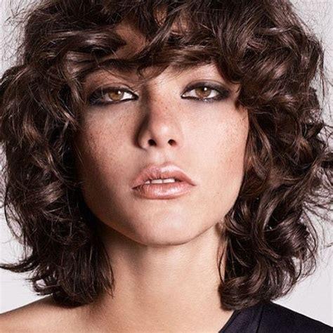 cabellos rizados muy cortos tendencia 2016 de 200 cortes de pelo para mujer verano 2018