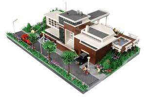an extension to grrr s mind a modernist lego house