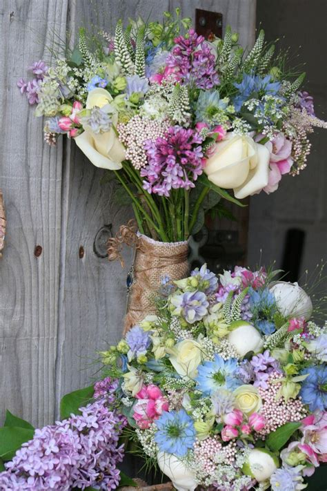 wedding flowers country style 1000 images about types of wedding bouquet on