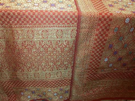 Songket Palembang Motif Cantik Manis Rebung Maroon 36 best tenun images on kebaya sarongs and