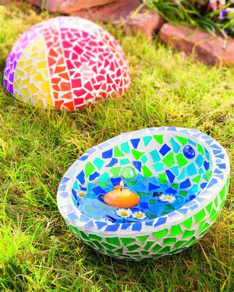Garten Deko Mosaik by Gartendeko Mit Farbenfrohem Mosaikglas Creadoo