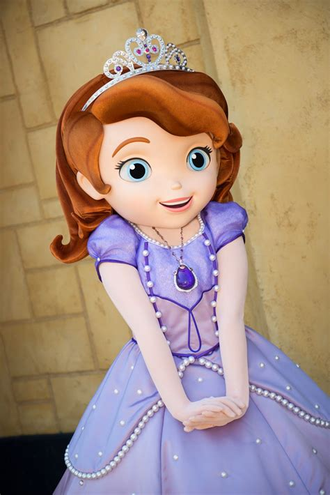 Sofa The Frist by Free Hd Wallpapers Disney Sofia The