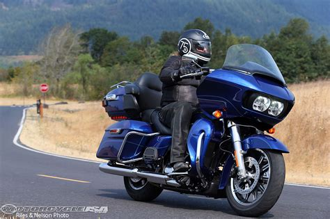 hd reviews 2016 harley davidson road glide ultra ride review