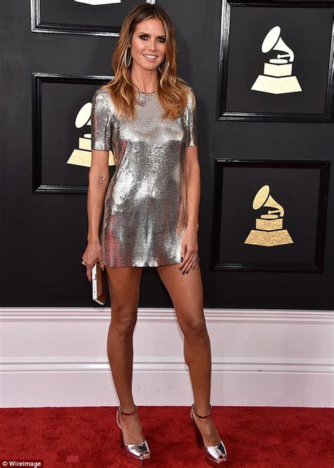 Dress Heidy grammys 2017 heidi klum glitters in silver mini dress