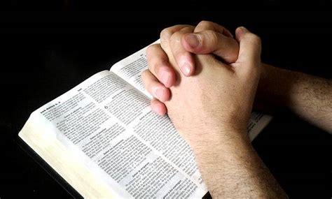 orando la biblia onko jumalalla kuulovaikeuksia seurakuntalainen