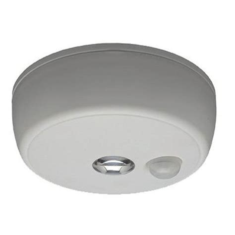 mr beams wireless motion sensor led ceiling light mb980 mr beams mb980 wireless battery operated indoor outdoor