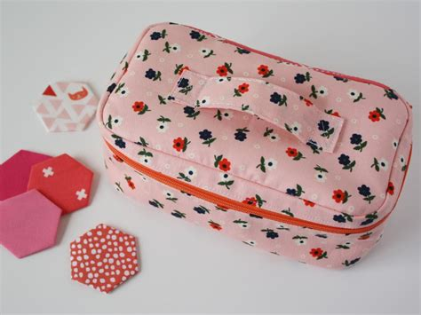 free pattern zippered cosmetic bag tiny zippered box pattern sew some stuff