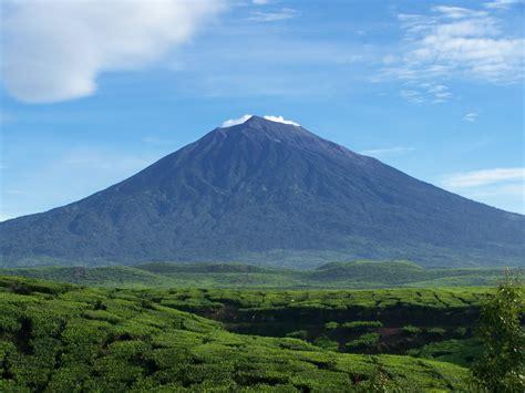 4 Di Indonesia gunung tertinggi di indonesia update curan