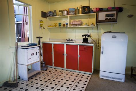 File kitchen in a beach house from the fifties auckland 1002 jpg wikimedia commons