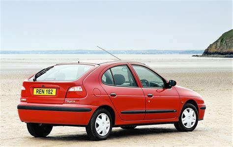 renault hatchback renault megane hatchback review 1996 2002 parkers