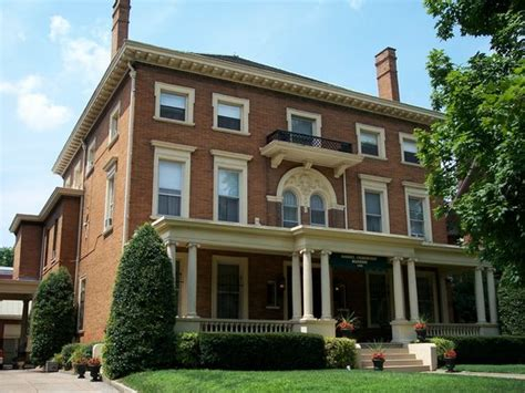bed and breakfast in louisville ky the samuel culbertson mansion bed and breakfast inn