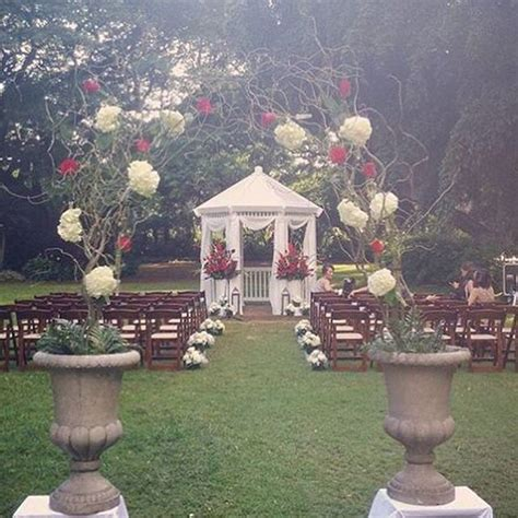 Hale Koa Wedding. Maile Garden. Red and White wedding
