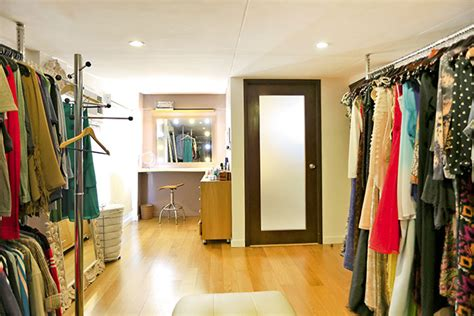 Walk In Closet Philippines by Gil S Modern Tropical Three Storey House In Las