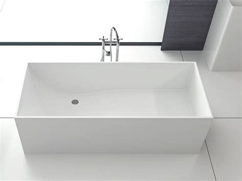 freistehende badewanne eckig firenze freistehende mineralguss badewanne wei 223 matt