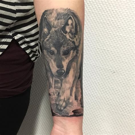lone wolf tattoo 95 best tribal lone wolf designs meanings 2018
