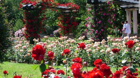 imagenes de jardines de rosas rojas los 13 jardines m 225 s espectaculares del mundo cnn