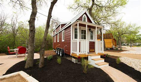 casa rosa  austins original tiny home hotel