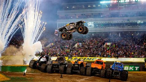 monster truck show hton coliseum verlosung tickets f 252 r monster jam show in frankfurt