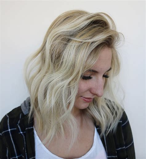 most flattering hair length for women 40 most flattering medium length hairstyles for thin hair