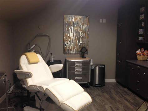 spa treatment room decor www imgkid com the image kid ideas on pinterest beauty salon best medical spa treatment