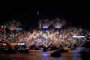 when are the new year fireworks in hong kong 2015 world celebrates with new year s fireworks abc news