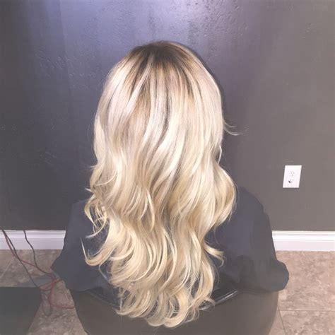 perfect shadow root on blonde hair icy blonde with a shadow root beautiful hair pinterest