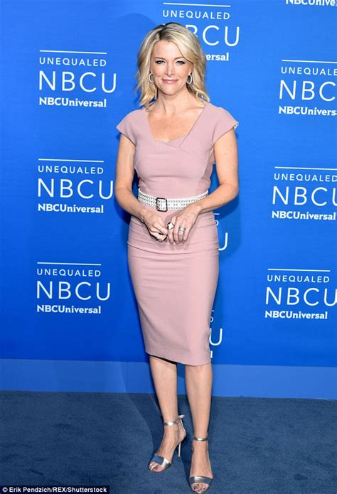 megyn kelly nipple megyn kelly totters around nyc in painful heels daily