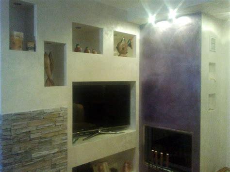 parete camino e tv foto parete tv e camino de ab color di claudio sommella