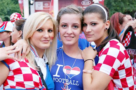 what to get a soccer fan we re gonna get hilary but look what croatia got for