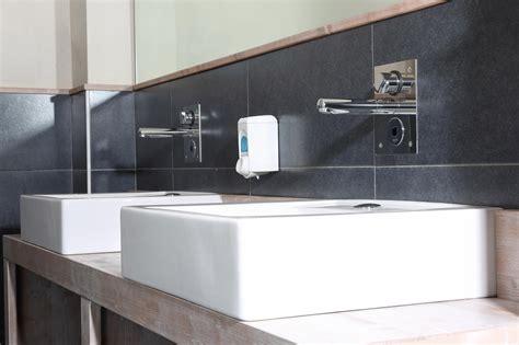 bagni ecologici soluzioni idral nel ristorante bio anche i bagni devono