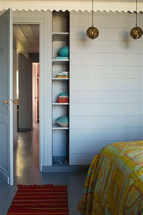 Primitive Country Bathroom Ideas sliding wardrobe doors blue paint small bedroom design
