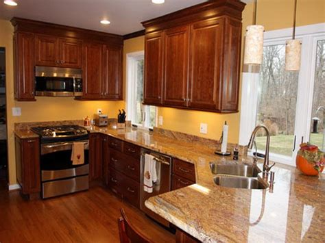 photos of kitchens with cherry cabinets bloombety paint color for a kitchen with cherry cabinets