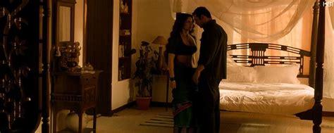 bed scene kangana ranaut hottest bed scene shootout at wadala