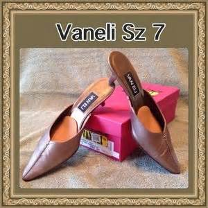 Flat Suede Pita 381 Maroon 82 vaneli shoes vaneli green suede quilted