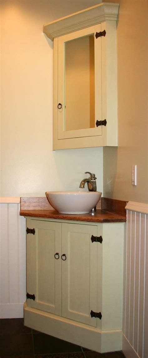 Corner Cabinet Bathroom Vanity 25 Best Ideas About Corner Bathroom Vanity On Pinterest Corner Sink Bathroom Corner Mirror