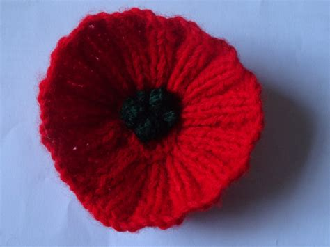 Knitting Pattern Remembrance Poppy   pin by tracey on knitting crochet pinterest