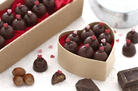 come fare i cioccolatini in casa ricetta cioccolatini la ricetta di giallozafferano