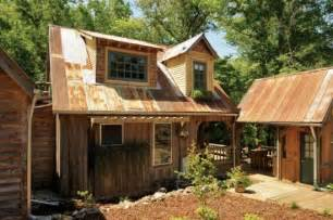 Small Home Kits Alabama An Alabama Family Handbuilds A Sweet Small Home From Scraps