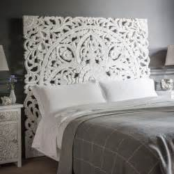 Carved Wooden Headboards by Best 25 White Headboard Ideas On Tufted Bed