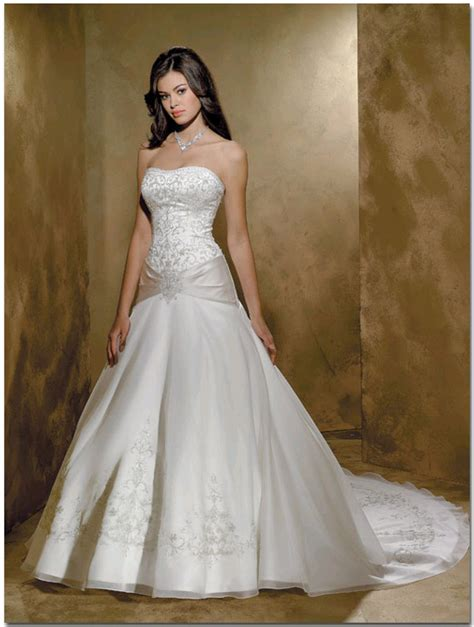 Bridal Dresses by The Wedding Inspirations White Bridal Gowns