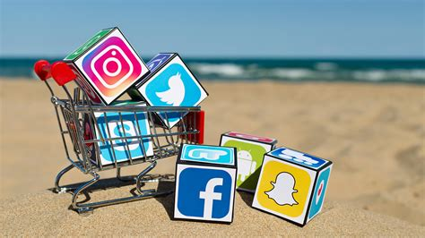 Facebook Icon by 5 Ways To Monetize Your Social Media Followings