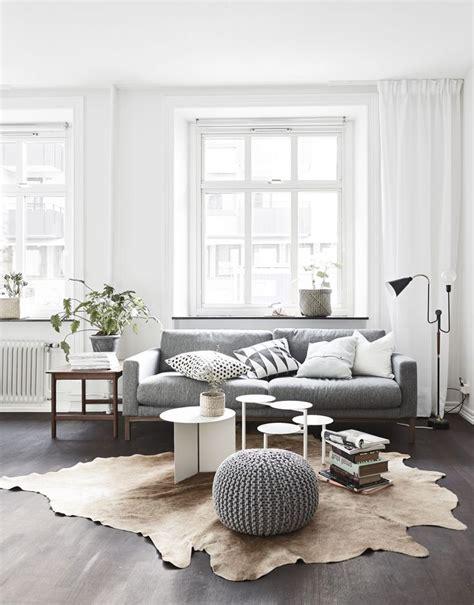 Living Room With Cowhide Rug - best 25 cowhide rug decor ideas on cowhide