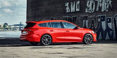 ford focus st wagon  europe  version   turbo