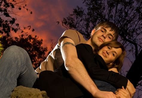hug day romantic sms quotes images messages whastapp