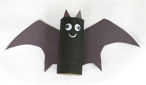 How To Make Bats Out Of Paper - hanging bat craft for with bat wing template buggy