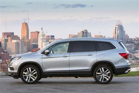 Honda Or Toyota Which Is Better 2016 Honda Pilot Vs 2015 Toyota Highlander Which Is